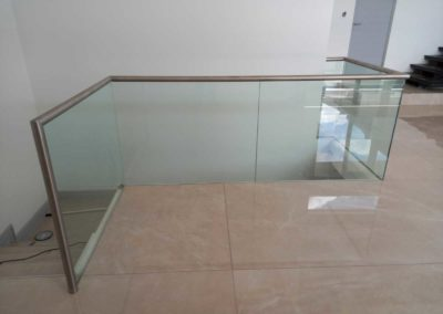 Stainless-Steel-_-Glass-Balustrade-Top-floor